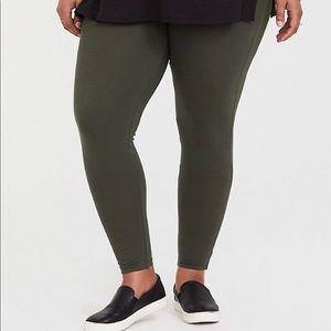 Size 2 Dark Green Torrid Leggings